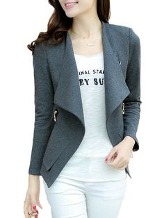 I love the cut and style of this blazer. I could use something similar for the fall.