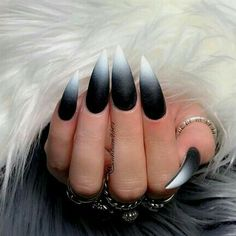 Stiletto nails are one of the shapes that many girls like. Long and pointed nails are suitable for anyone with bold ideas. Long black Stiletto nails are bold and stylish. It's a stylish look, very chic, suitable for everyone. Black White Nails, Black And White Nail Designs, Black Stiletto Nails, Black Nail Art, Black Ombre Nails, Long Black Nails, White Ombre, Matte White Nails, Black Coffin Nails