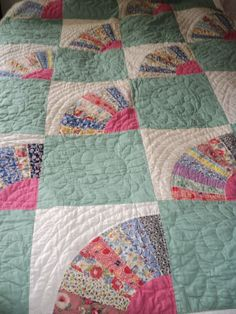 Vintage fan quilt in perfect shape