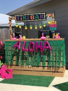 Pineapple Flamingo Luau Birthday Party Ideas Photo 1 of 19 Catch My Party Pineapple Flamingo Luau Birthday Party Ideas Photo 1 of 19 Catch My Party Aloha Party, Hawaii Birthday Party, Luau Theme Party, Hawaiian Luau Party, Tiki Party, Luau Party Games, Hawaiin Party Ideas, Kids Luau Parties, Summer Parties