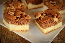 Chec pufos cu nuca la tava Sweet Bread, Tiramisu, Cheesecake, Healthy Recipes, Meals, Simple, Ethnic Recipes, Desserts, Fruit Cakes