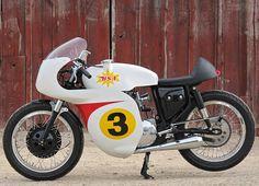 1967 BSA LIGHTNING CUSTOM CAFE RACER