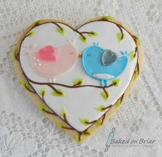 images of wisked away cookies gallery' kissing pink and blue Love birds Valentine Valentine's Day Sugar Cookies, Bird Cookies, Fancy Cookies, Cute Cookies, Cupcake Cookies, Heart Cookies, Valentines Day Cakes, Valentine Cookies, Cupcakes