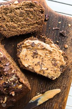 The easiest vegan banana bread without flour.