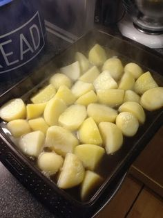 Vicki-Kitchen: syn free tasty roast potatoes (slimming world friendly)
