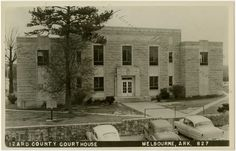 The Izard County Courthouse in Melbourne, 1950s. AHC1476