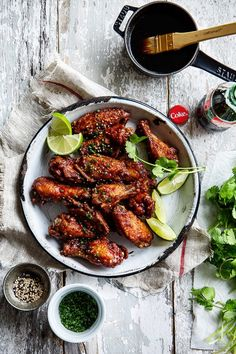 Sticky Coke Wings und Mini Chicken and Waffles - Recipes - Wings - Chicken Coke Chicken, Chicken Wings, Party Chicken, Chicken And Waffles, Cooking Recipes, Healthy Recipes, Chicken Wing Recipes, Appetizer Recipes, Appetizers
