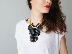 Declaración la declaración collar joyería pompón collar mujer moda mujeres Ooak accesorio collar / MARSIA