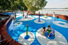 Amazing water playground design in this Tychy, Poland park – designed by Robert Skitek. Water Playground, Kids Indoor Playground, Playground Design, Camping Water, Interior Design Pictures, Water Spout, Splash Pad, Play Spaces, Water Features