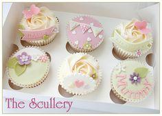 Vintage Mummy Cupcakes