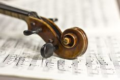 According to a new study, listening to classical music enhanced the activity of genes involved in dopamine secretion and transport, synaptic neurotransmission, learning and memory, and down-regulated the genes mediating neurodegeneration. Music And The Brain, Opera News, Cool Science Experiments, Biology Experiments, Famous Last Words, Music Therapy, Listening To Music, Singing, Music Education