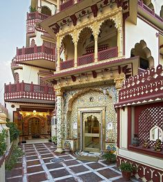Gallery of accommodation in Jaipur at Umaid Bhawan is a Heritage Hotel in Jaipur Rajasthan (India), with all modern facilities. Heritage Hotels in Jaipur and Heritage Hotels in Rajasthan Varanasi, Rishikesh, Agra, Beautiful Hotels, Beautiful Places, Places Around The World, Around The Worlds, Best Honeymoon Destinations, Bali