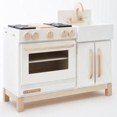 Wooden Play Kitchen, Mini Kitchen, Wooden Kitchens, Diy Kids Kitchen, Toy Kitchen, Kitchen White, Kitchen Items, Kitchen Hoods, Kitchen Appliances