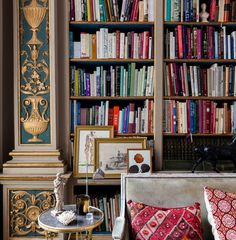 Luxury Vacation Rental Apartments & Homes Paris Apartment Rentals, Paris Apartments, Rental Apartments, Luxury Services, Closet Storage, Finding Joy, Home Goods, Living Spaces, Shelves