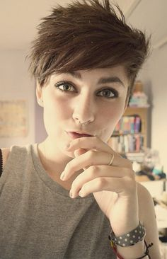 short hair lesbian style