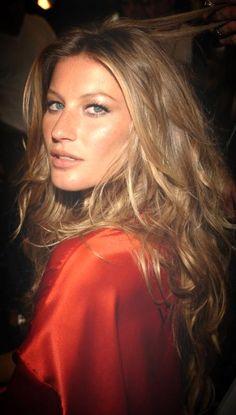 Gisele Bundchen - hair!