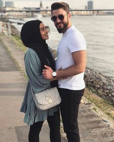 Fashion casual hijabi muslim ideas for 2019 - Herzlich willkommen Cute Muslim Couples, Muslim Girls, Muslim Women, Cute Couples, Hijab Wear, Casual Hijab Outfit, Hijab Chic, Modele Hijab, Persian Girls