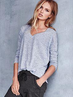Victoria's Secret: Long-sleeve V-neck Tee