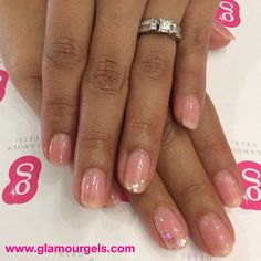 Try Pink Champagne with some sparkle for beautiful nails! #classy #pinkchampagne #glamourgels