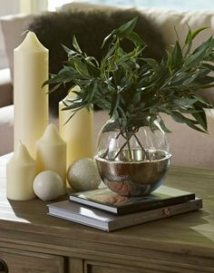 entry way table decor on Pinterest Foyer Decorating