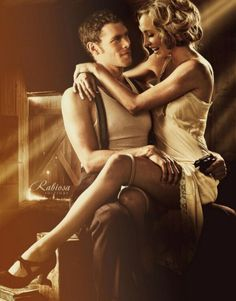 The vampire diaries and the originals. Stunning Klaus and Caroline! Please come back Klaus Mikaleson so you can be with Caroline Forbes as you are amazing together! Joseph Morgan and Candice Accola. Caroline Forbes, Klaus And Caroline, Damon Salvatore, Serie Vampire Diaries, Vampire Diaries The Originals, The Cw, I Love Series, The Salvatore Brothers, Flapper