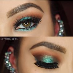Emerald Noir Palette by Mary Kay