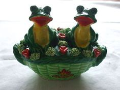 Vintage Frogs in A Flower Basket Salt and Pepper Shakers