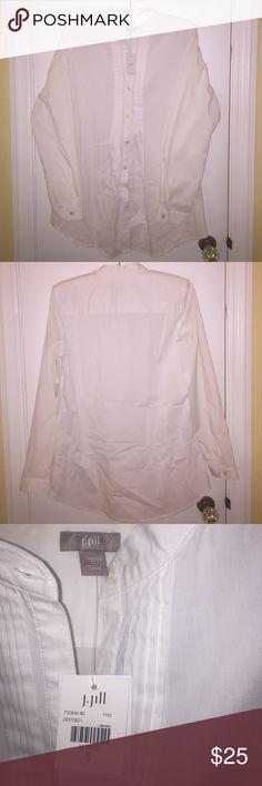 NWT JJill White Pintuck Tunic Never worn white pintuck tunic. Perfect to wear with skinny jeans or leggings. Smoke free home. J. Jill Tops Tunics