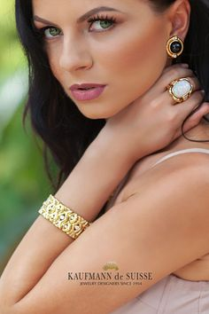 Kaufmann de Suisse Diamond Jeweler Designers Since Custom diamond rings, engagement rings, wedding rings, bracelets and fine jewelry necklaces. Opal Jewelry, Luxury Jewelry, Diamond Jewelry, Fine Jewelry, Jewelry Necklaces, Opal Earrings, Jewelry Showcases, Custom Jewelry Design, Palm Beach