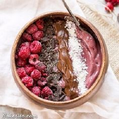 This Raspberry Acai Bowl is a refreshing & delicious breakfast, especially when you add your favorite toppings! This healthy breakfast is ready in a few minutes. Informations About Raspberry Acai Bowl Breakfast Smoothies, Breakfast Bowls, Healthy Smoothies, Smoothie Recipes, Juicer Recipes, Green Smoothies, Meat Recipes, Salad Recipes, Good Healthy Recipes