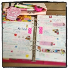 April Filofax photo-a-day - Planning time! An entire blog dedicated to planners and organization <3 bookmarked for future reading (Read 06/25/2013 - ThT)