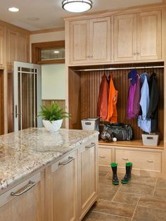 Traditional Laundry Room Design, Pictures, Remodel, Decor and Ideas - page 20