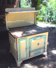 Antique Montgomery Ward Wood Burning Cook Stove No