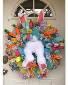 24 Adorable Easter Front Door Wreaths Looking for Easter decorating inspirations for your front door. Try one of these 24 Adorable Easter front door wreaths and door hanger ideas! They will put a smile on your face and warm your heart. Wreath Crafts, Diy Wreath, Wreath Ideas, Tulle Wreath, Decor Crafts, Wood Crafts, Couronne Diy, Diy Osterschmuck, Easy Diy