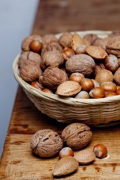 nuts are great aid in dealing with hypothyrodism symptoms