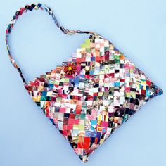 How to create your own paper handbag.  This is a direct link to the tutorial. Fab!