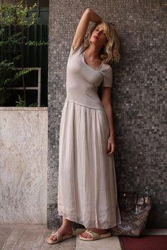 Un look casual e leggero e via in giro per Roma  ... #LaPinella #Look #abitolungo #summer #estate #marksandangels #bag #drscholl #anni80 #musthave #Roma #casual