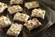 Spend not another minute wondering whether you should make s'mores or brownies for your resident chocolate lovers. This mash-up hits all the bases!