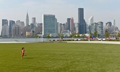 Best Views of the Manhattan Skyline from a Park : NYC Parks