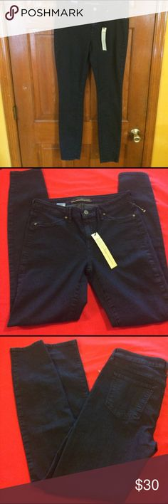 NWT, dark denim Skinny leg jeans NWT, dark denim Skinny leg jeans, 28X29 Rich & Skinny Jeans Skinny