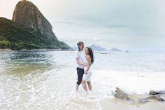 ♥♥♥  Anna Stavale Fotografia Nossa fotografia é afetiva, somos apaixonados pelos sorrisos espontâneos que não cabem na boca, pelos olhares de cumplicidade e certeza, pelo toq... http://www.casareumbarato.com.br/guia/anna-stavale-fotografia/