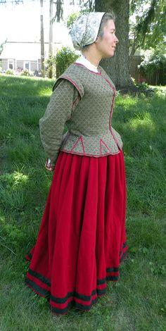 Green Waistcoat and Red Petticoat, c. 1600  I'd like to do one of these on my murrey jacobean print.