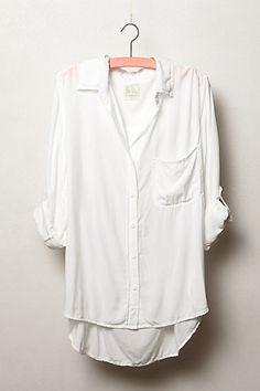 A camisa branca é a peça mais versátil que você pode ter! #VemproCasualChic pra…