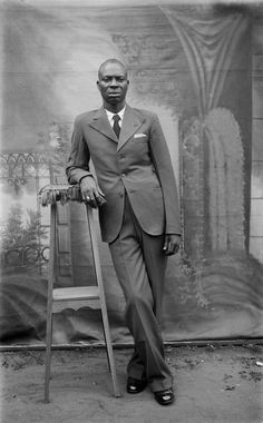 Rare portraits reveal Nigeria's young and fashionable elite on the rise in the 20th century - The Washington Post