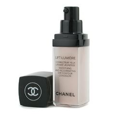 4 Eye Creams for Puffy Eyes Because a lot of people suffer from swollen eyes due to various causes, it is important to use an eye cream for puffy eyes. Chanel Foundation, Under Eye Mask, Dark Circles Under Eyes, Under Eye Concealer, Eye Contour, The Balm, Makeup Products, Beauty Products, Cover