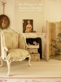 French Bergere, XVIIIth, Louis XV, Shabby pink and green, French dollhouse furniture in 1:12 th scale