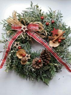 Vánoční věnec Buxus, Advent, Christmas Wreaths, Holiday Decor, Home Decor, Decoration Home, Room Decor, Home Interior Design, Home Decoration