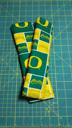 U of O Ducks adult seat-belt strap covers by SwtMaggisSewnSews on Etsy