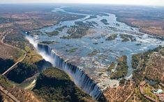 Above Victoria Falls, Zimbabwe  https://pbs.twimg.com/media/Bpux_gUIYAAAh6P.jpg… pic.twitter.com/humtKKHmoa