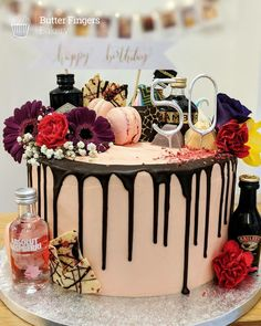 A pretty pink drip cake decorated with fresh flowers and alcohol miniatures 50th Birthday Cake For Women, 22nd Birthday Cakes, 22 Birthday, Baileys Cake, Alcohol Cake, Bakery Cafe, Drip Cakes, Wishing Well, Frases